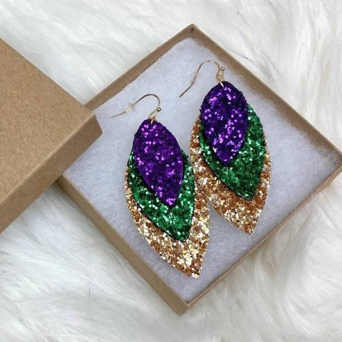 Mardi Gras Glitter Fleur de lis & Triple Feather Earrings (Feather box display)