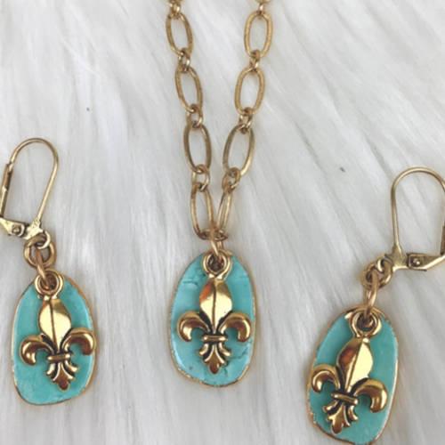 Turquoise Fleur de Lis Earrings Necklace Set (set display)