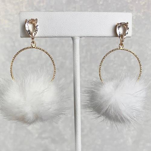 White Mink Furry Lightweight Pompoms Earrings (white)