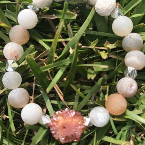 Red Matte Druzy Agate Beads Essential Oil Diffuser Bracelet (Detail